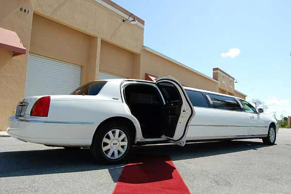 lincoln stretch limousine boston